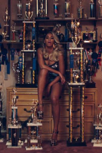 Beyonce: Pretty Hurts Video